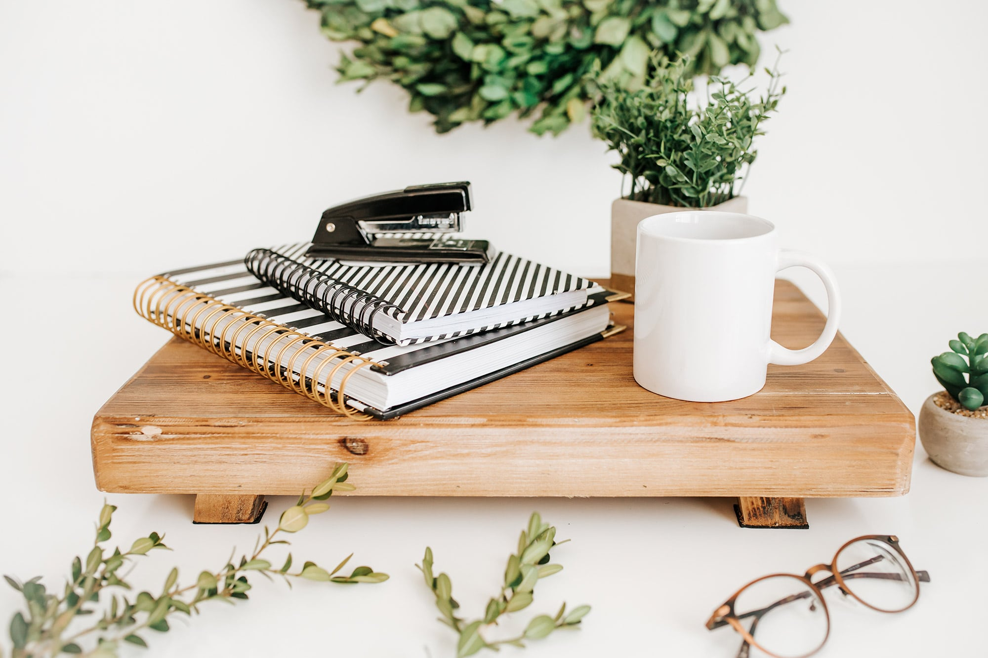 3 Mistakes to Avoid as a new Featured Writer featured image notebooks on a shelf